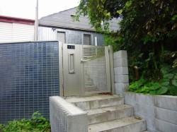 北鎌倉貸家の玄関